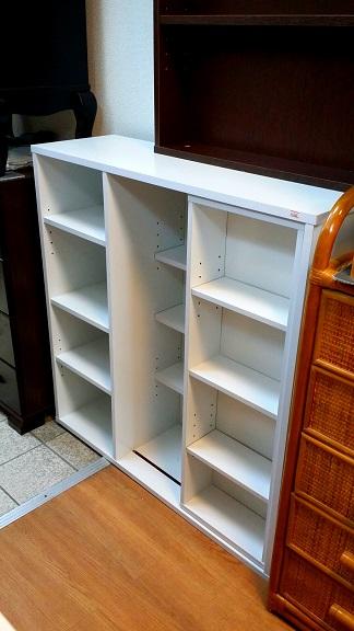 可動棚付き本棚